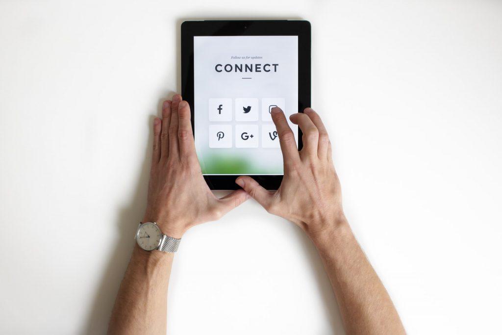 earn an income on social media